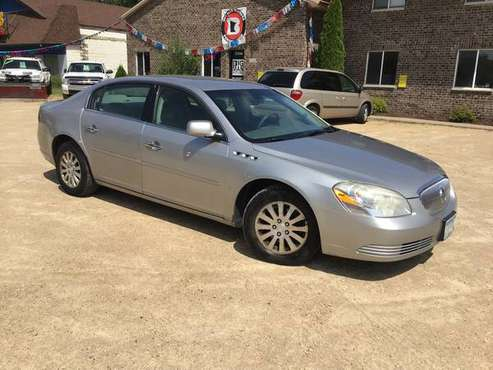 2008 Buick Lucerne CX - AUX input - 25 MPG/hwy - traction control for sale in Farmington, MN