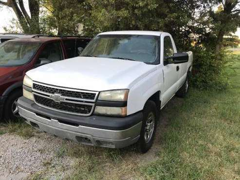 ******2006 Chevy Silverado 1500 LS/4WD/Auto**** for sale in Wichita, KS