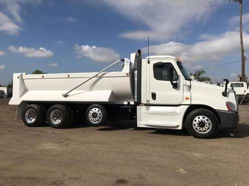 2014 FREIGHTLINER CASCADIA for sale in Bakersfield, CA