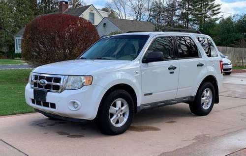 2008 Ford Escape V6 4x4 - cars & trucks - by owner - vehicle... for sale in Smithtown, NY
