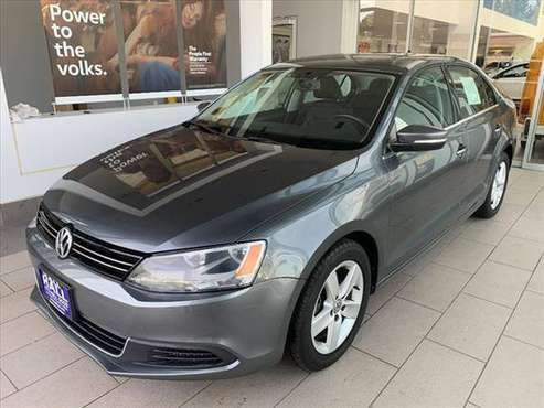 2013 VW JETTA TDI HEATED SEATS/BLUETOOTH/POWER SUNROOF/ MANUAL TRANS for sale in Eau Claire, WI