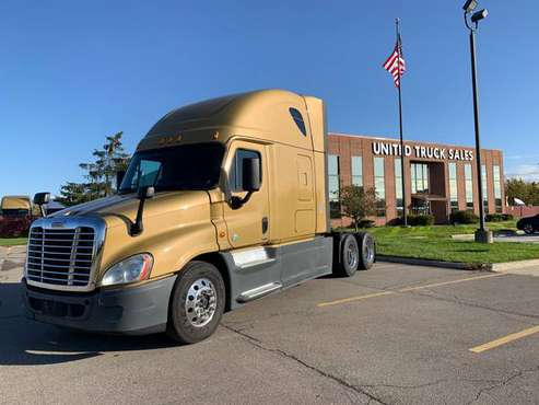 2015 Freightliner Cascadia Semi Truck for sale in Clinton Township, MI