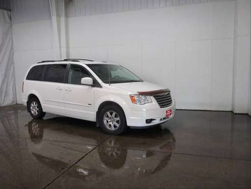 08' Chrysler Town & Country for sale in West Burlington, IA