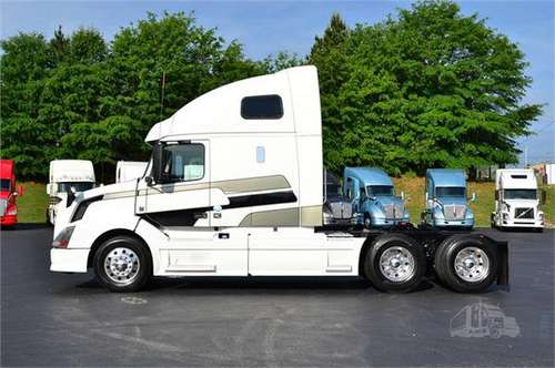 2015 VOLVO VNL64T670 for sale in Carrollton, TN
