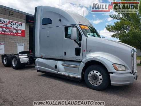 2012 Kenworth t700 for sale in Saint Cloud, MN