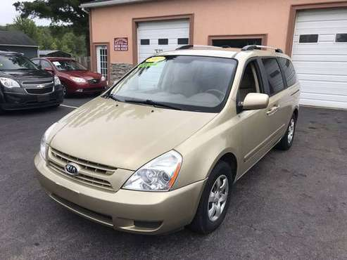 2009 Kia Sedona - Financing Available! for sale in East Syracuse, NY