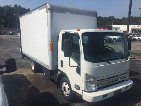2012 Isuzu npr box truck with lift gate. for sale in Tuskegee, AL