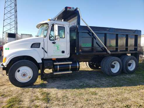 Mack Dump Truck for sale in Woodway, TX