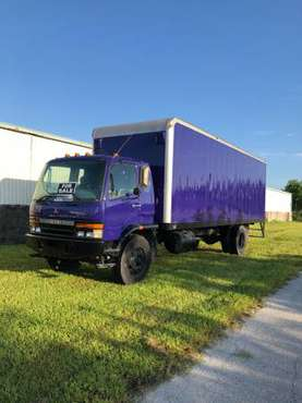 2000 Mitsubishi 26' Box Truck for sale in Fort Myers, FL