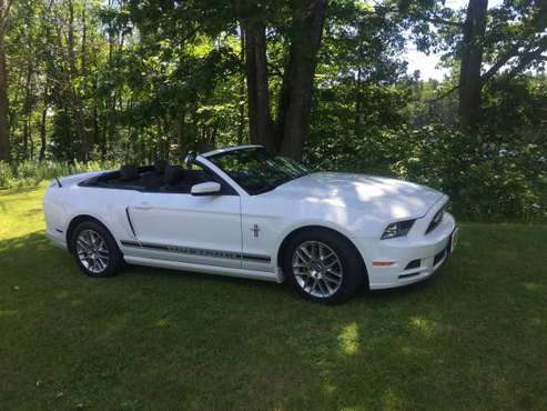 2014 mustang Convertible for sale in Morrisonville, NY