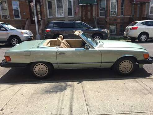 1989 Mercedes 560 SL Convertible Very Nice, 122K LOOK must sell for sale in Middle Village, NY
