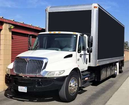2002 International 4300 DT466 Box Truck Straight Truck for sale in Costa Mesa, CA