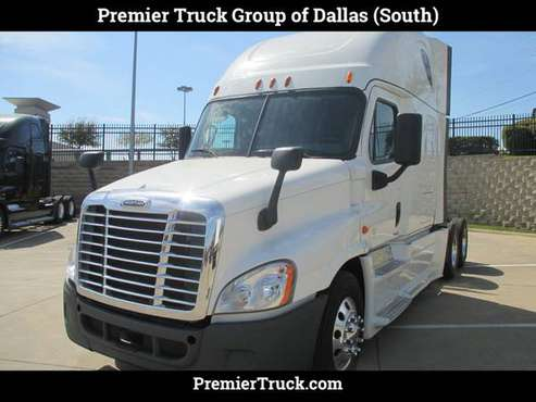 2015 *Freightliner* *Cascadia* White for sale in Dallas, TX