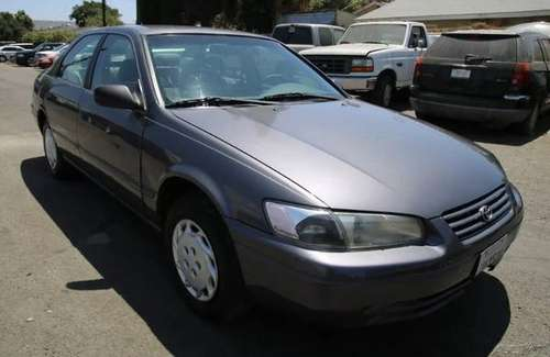 1997 GRAPHITE GRAY TOYOTA CAMRY LE 4 CYLINDER SEDAN FOR SALE for sale in Long Beach, CA