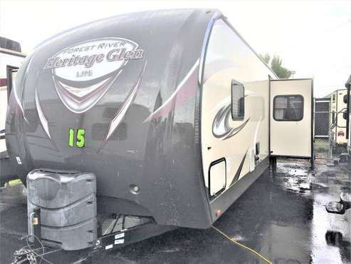 2015 FOREST RIVER WILDWOOD HERITAGE GLEN LITE TRAVEL TRAILER 35' for sale in Fort Myers, FL