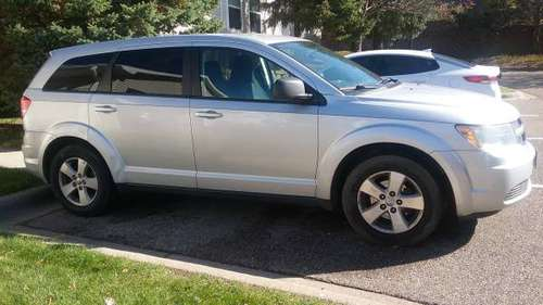 Selling a Dodge Journey 2009 for sale in Eden Prairie, MN