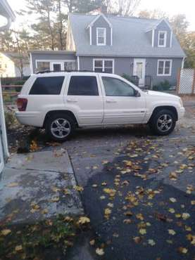 2005 v8 jeep Cherokee - cars & trucks - by owner - vehicle... for sale in Providence, RI