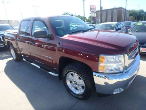 2013 Chevrolet Silverado LT !! One Owner !! Low Miles !! Burgundy for sale in URBANDALE, IA