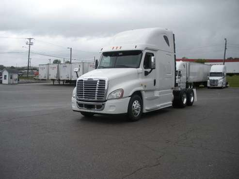 2014 & 2015 Freightliner Cascadia for sale in Lavergne, MS