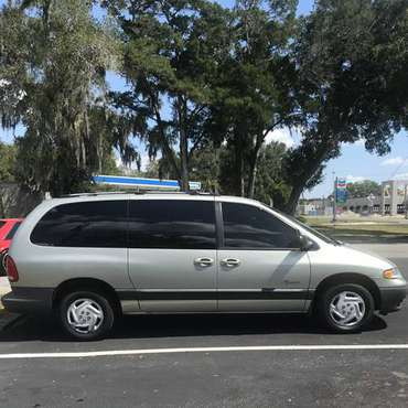 GRANDPA'S MINIVAN, 1999 GRAND CARAVAN VOYAGER, COLD AIR, RUNS PERFECT for sale in Bushnell, FL