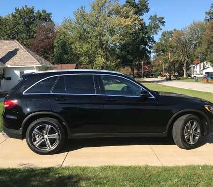 2016 Mercedes GLC 300, original owner for sale in Cleveland, OH