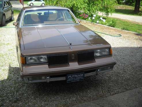 1987 Oldsmobile Cutlass Supreme for sale in North Grosvenordale, CT
