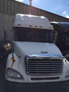 Freightliner Columbia for sale in Grand Rapids, MI