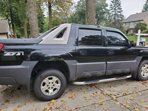2003 chevy avalanche for sale in Fort Wayne, IN