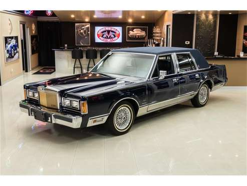 1989 Lincoln Town Car for sale in Plymouth, MI