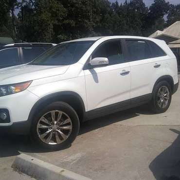 '11 Kia Sorento EX V6 pearl 157K mls 3row $1800 dn or great cash deal for sale in Live Oak, FL