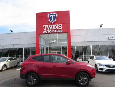 2015 HYUNDAI TUCSON GLS**LIKE NEW**SUPER LOW MILES**FINANCING AVAILABL for sale in redford, MI