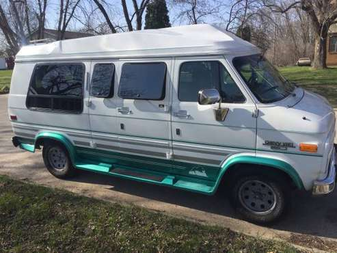 1993 Chevy g20 hightop for sale in Waterloo, IA