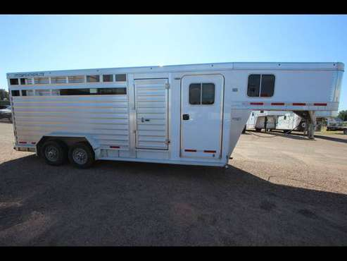 2016 Featherlite Trailers 9651 Horse Trailer - GET APPROVED!! for sale in Evans, CO
