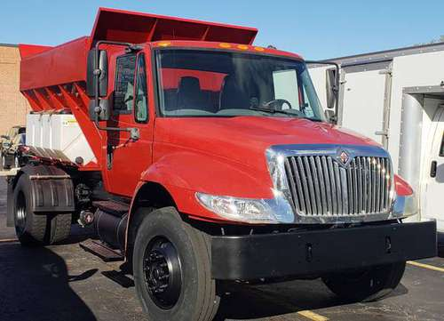 International Salt Truck for sale in Northbrook, IL