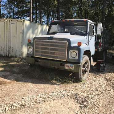 Internatioal stake truck for sale in Hot Springs National Park, AR