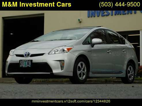 2012 Toyota Prius Five NAVi / LEATHER / PANORAMIC ROOF / LOW MILES for sale in Portland, OR