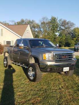 2013 GMC SLE 1500 4x4 crew cab Lifted for sale in Freeburg, MO
