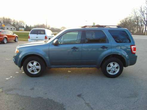 2011 FORD ESCAPE 4DR XLT FWD GREAT MPG LOADED XCLEAN IN/OUT RUNS A1... for sale in Union Grove, WI