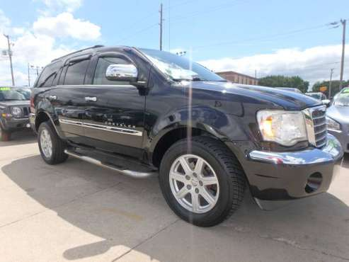 2007 Chrysler Aspen Limited 4WD Black for sale in Des Moines, IA