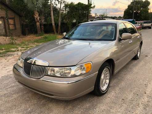 Lincoln Town Car 60K Excellent Shape for sale in TAMPA, FL