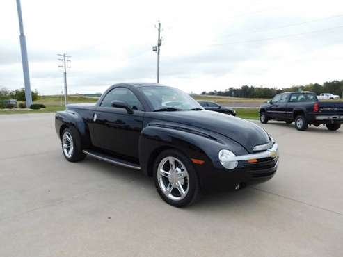 2005 CHEVY SSR *** DON'T MISS THIS HEAD TURNER *** for sale in Wright City, MO
