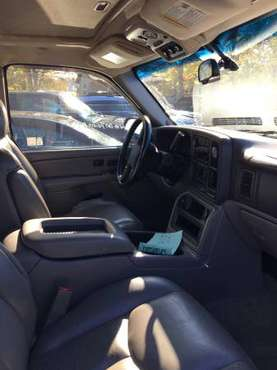 2005 Chevy Suburban 1500 for sale in Roseville, MI