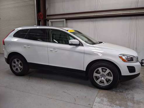 2011 Volvo XC60, Leather, Moonroof, Fun To Drive!!! for sale in Madera, CA