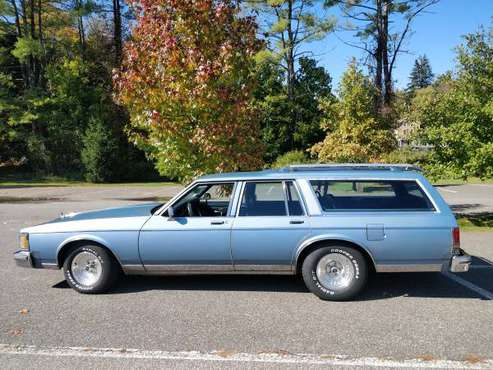 1989 Oldsmobile Custom Cruiser 4-door wagon for sale in Canaan, CT