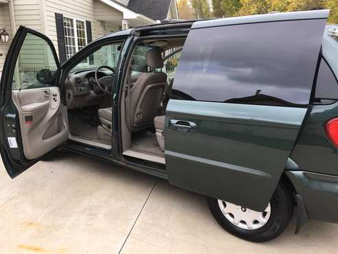 2001 Chrysler Voyager LX for sale in Saint Paul, MN