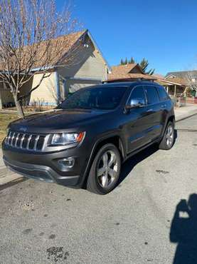 V8 2014 Jeep Grand Cherokee - cars & trucks - by owner - vehicle... for sale in Carson City, NV