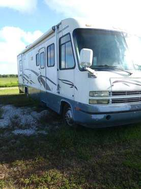 2000 Cruise Master Motor Home 35' for sale in Moore Haven, FL