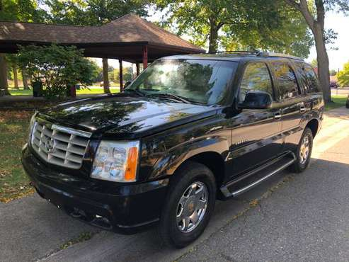 2002 CADILLAC ESCALADE LUXURY..ALL WHEEL DRIVE.. 6.0 L V8 for sale in Holly, MI