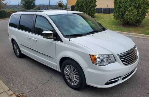 2013 Chrysler town and country L-touring for sale in Louisville, KY