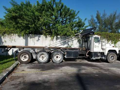 1991 Mack RD600 Roll Off for sale in Miami, FL